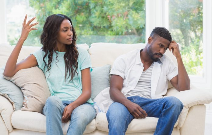 Casais que discutem vivem mais, indica estudo