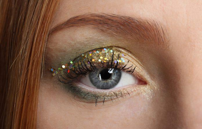 Glitter no olho