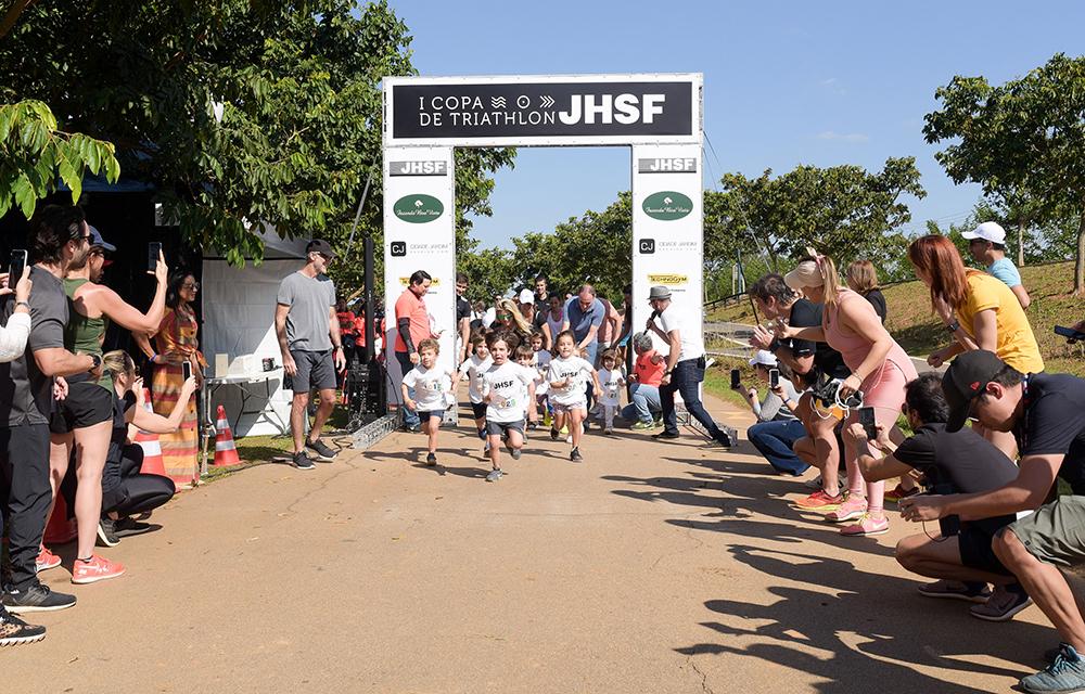Competição de triathlon