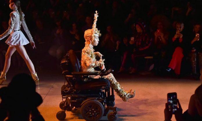 modelo cadeirante