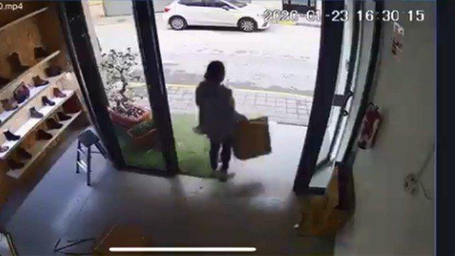 mulher roubou 40 vibradores
