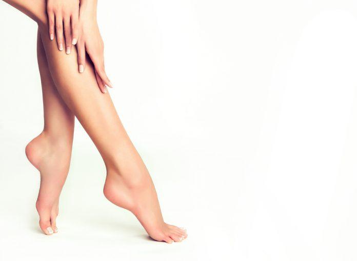 Como eliminar rachaduras nos pés